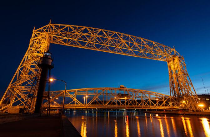 Night photograph of the Duluth Lift Bridge